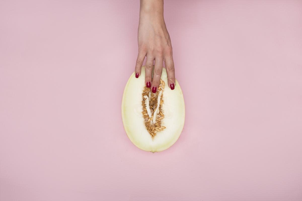 Manstrubation vagina hand
