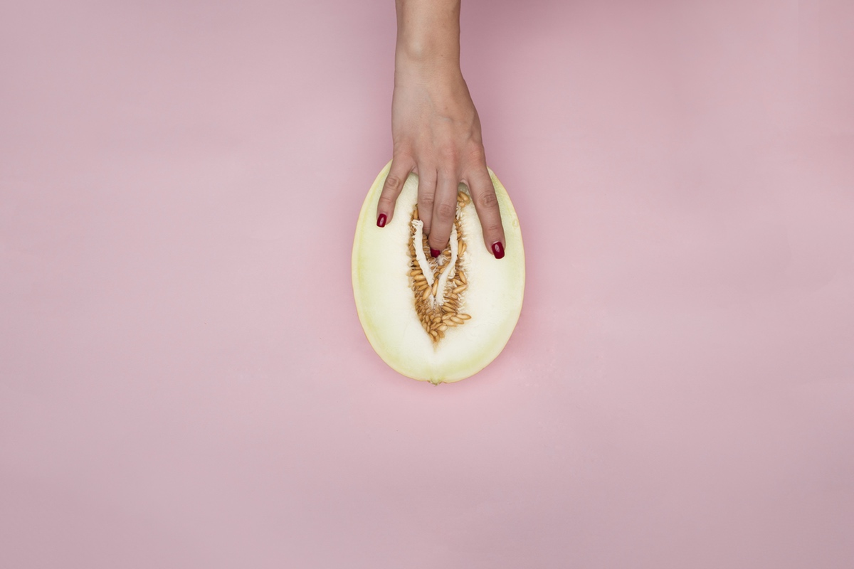 Melon hand touch