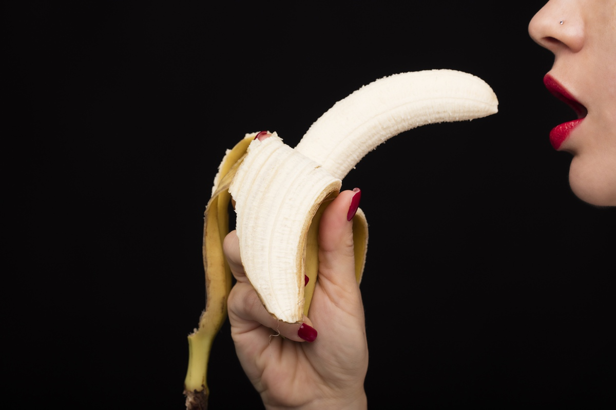 banana lipstick