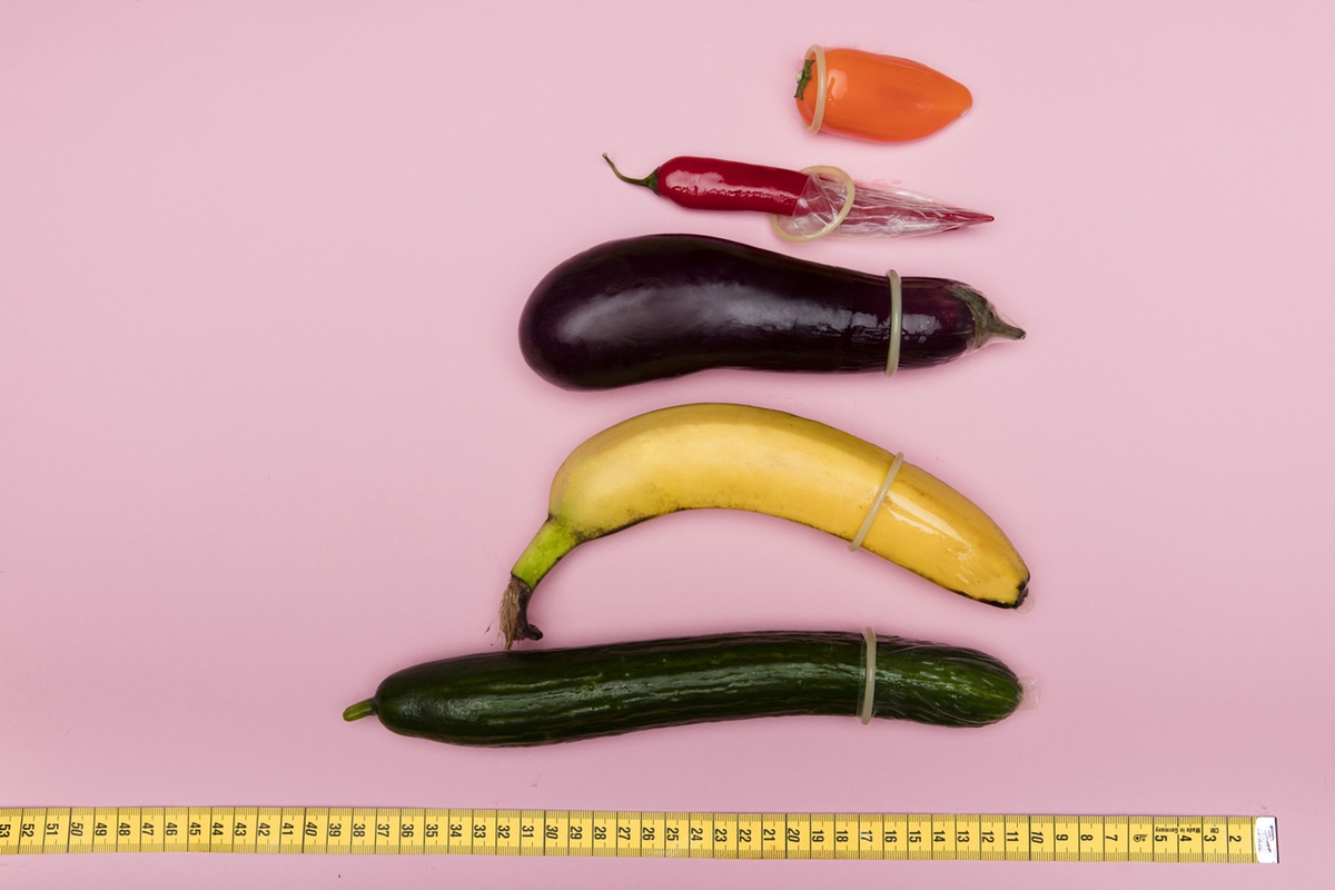 measuring phallic fruit vegetables