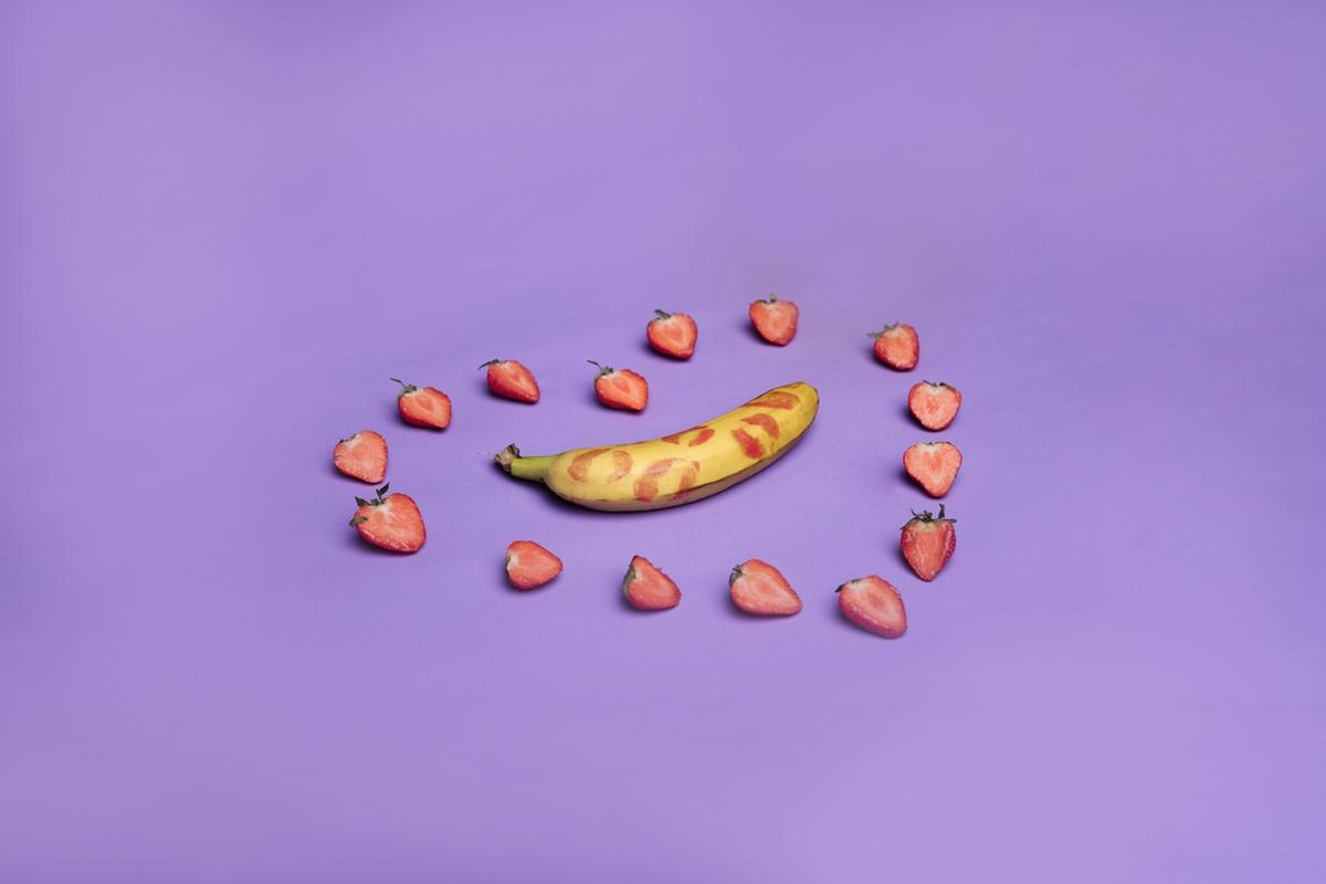 strawberry love banana